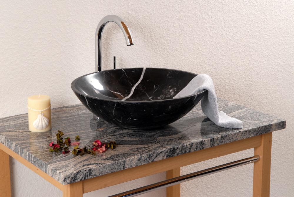 Estelle nera s alpgranit hochwertige esstische und for Hochwertige esstische